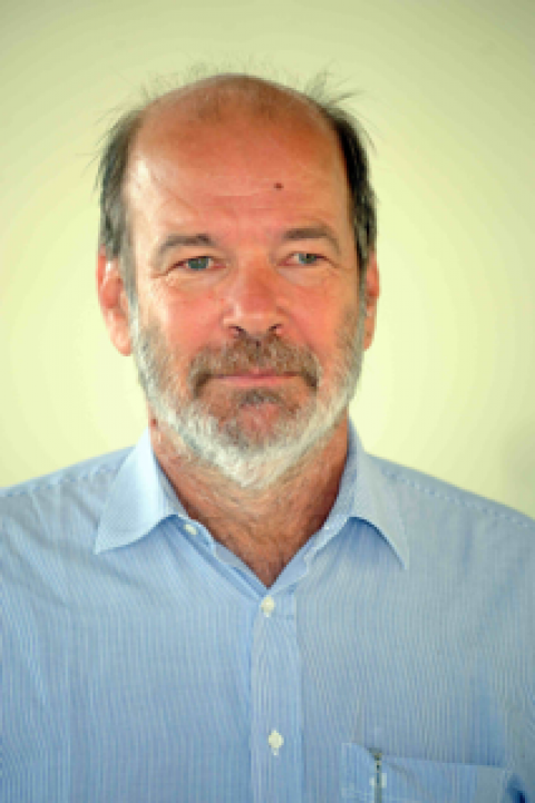 Entrepreneur salarié d'Essaim, Peter Hislaire offre ses services dans la coopération