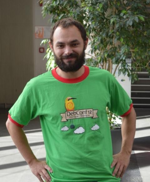 Entrepreneur salarié à Essaim, Luca Capello offre ses prestations dans les logiciels libres