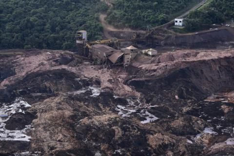 Après la rupture du barrage minier au Brésil, les investisseurs posent un ultimatum aux compagnies minières