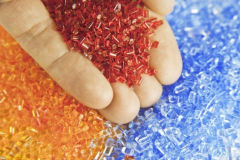 Le plastique sera bientôt le premier débouché de l'industrie pétrolière devant le transport