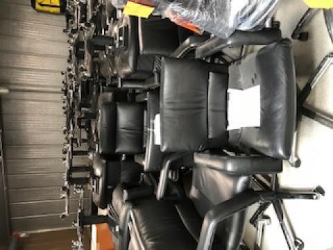 De nouveaux meubles de bureau à donner pour des associations