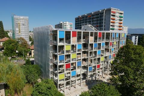 Chronique radio sur le nouvel immeuble en paille de Genève