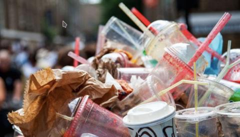 Les produits plastiques à usage unique interdits par l'Europe